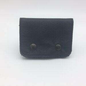 porte monnaie en cuir bleu par Saturnin