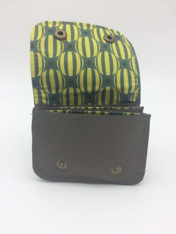 porte-monnaie en cuir, porte-cartes en cuir,marron glaçé, motif rond rayé jaune