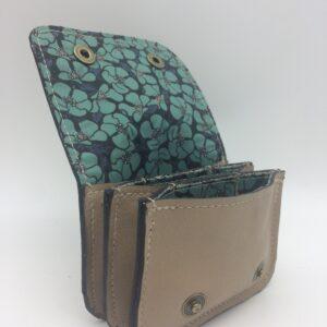 porte-monnaie, porte-cartes, cuir beige, motif coquelicot bleu